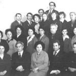 Работники Вичугского горкома КПСС. Трое в первом ряду в центре слева направо - А.И. Миронов, М.С. Лобушкова, И.Н. Лопатин, 1975 год