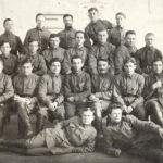 Курсанты Киевской школы командиров РККА, 5-й справа в третьем ряду Л.М. Сандалов, 1924 год